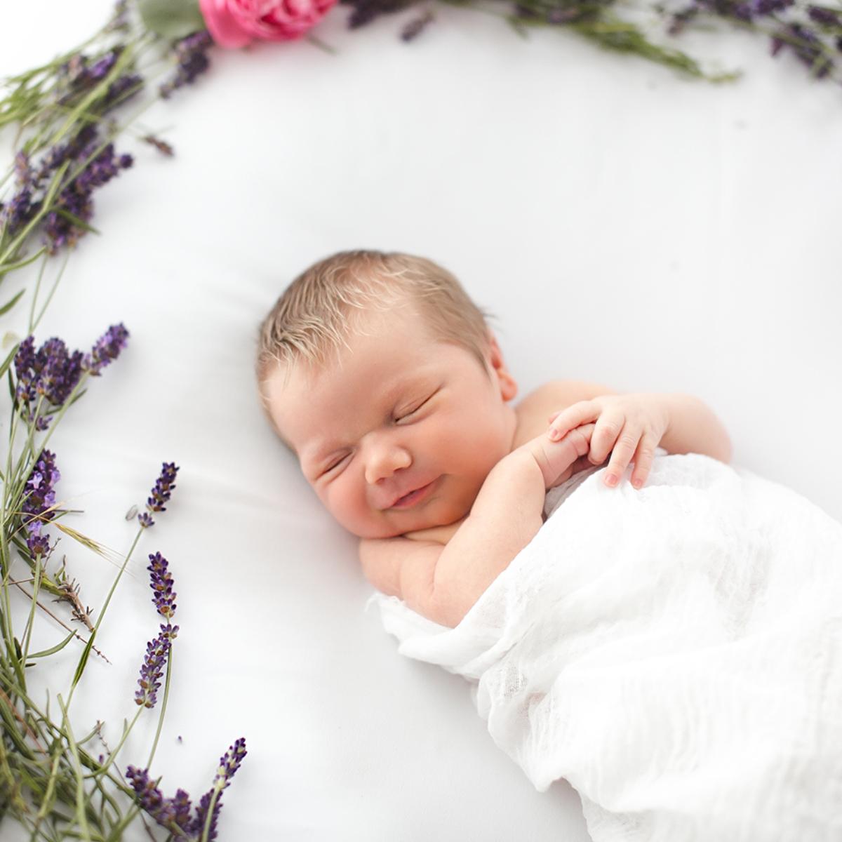 Zeitlose und natürliche Neugeborenenfotografie