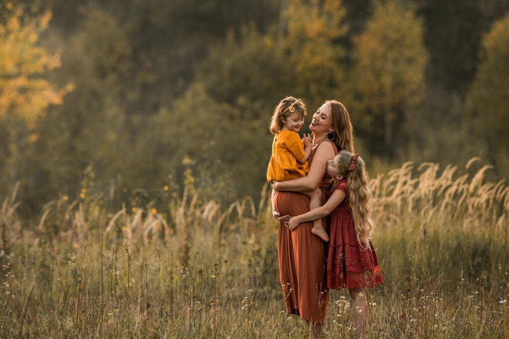 Babybauch Fotoshooting mit Geschwisterkinder ohne Partner