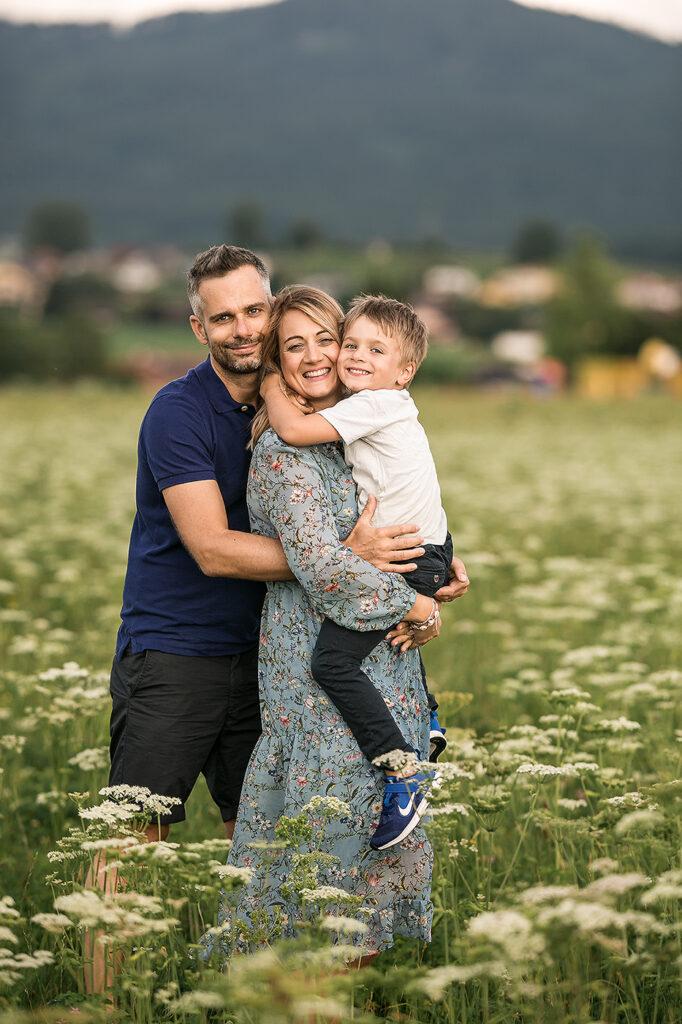 Familien Fotoshooting bei Salzburg mit einem kind