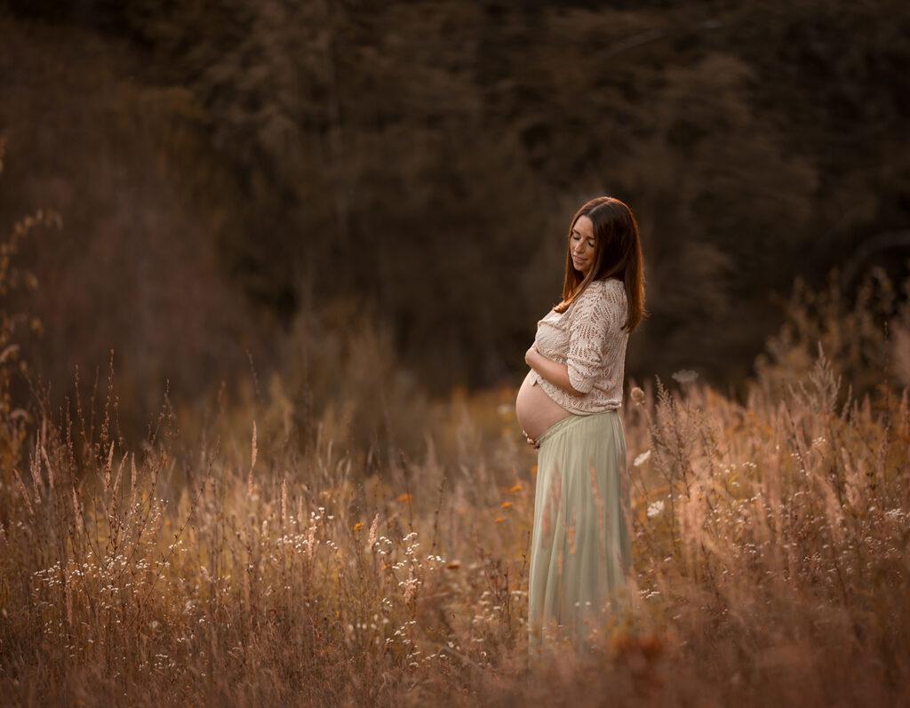 Schwangerschafts Fotoshooting ohne Partner Outdoor