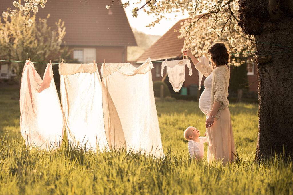 Schwangerschaftsfotoshooting Hameln mit Baby Bauernhof