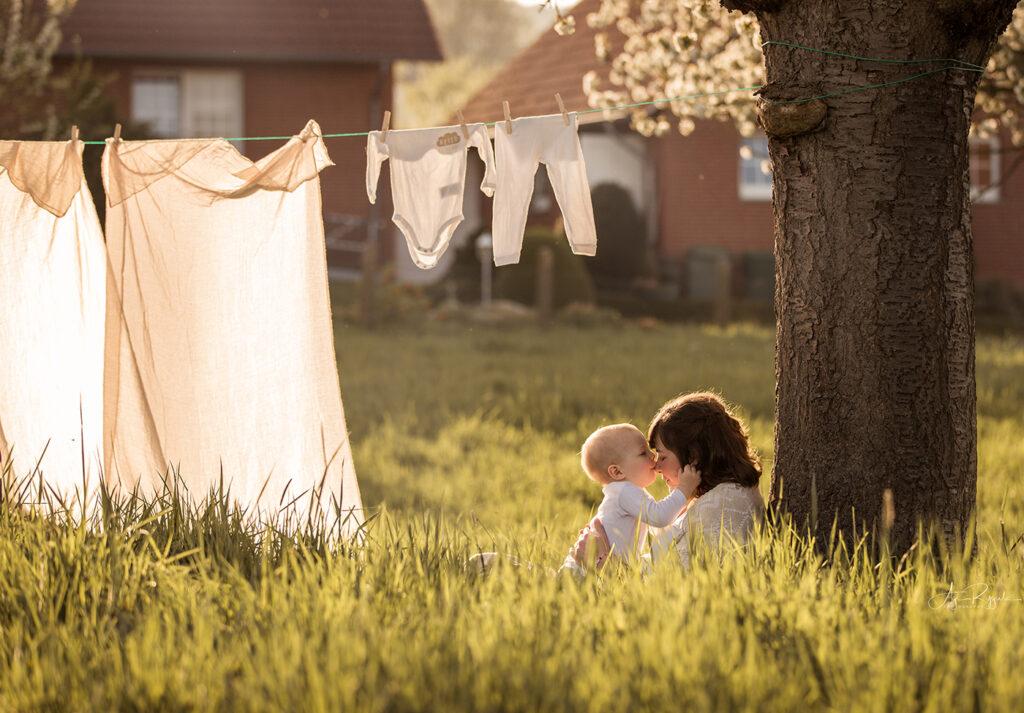 BabyBauxh Bilder mit Baby auf einem Bauernhof