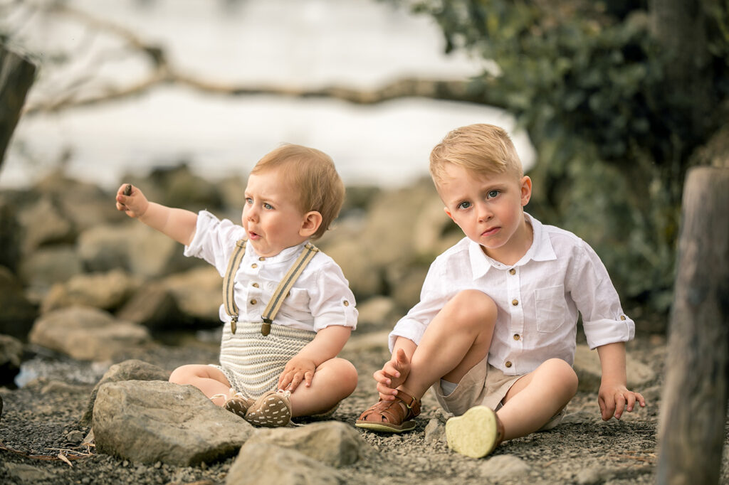 Familien Fotoshooting am See mit 2 Kindern