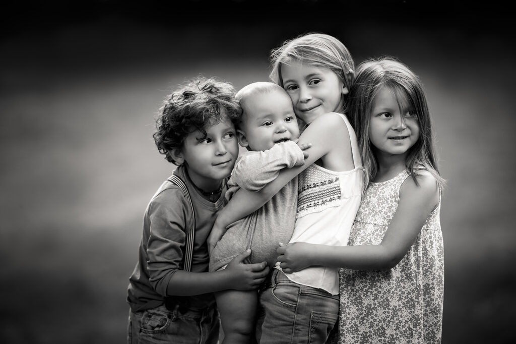 Familien Fotoshooting mit mehreren Geschwistern