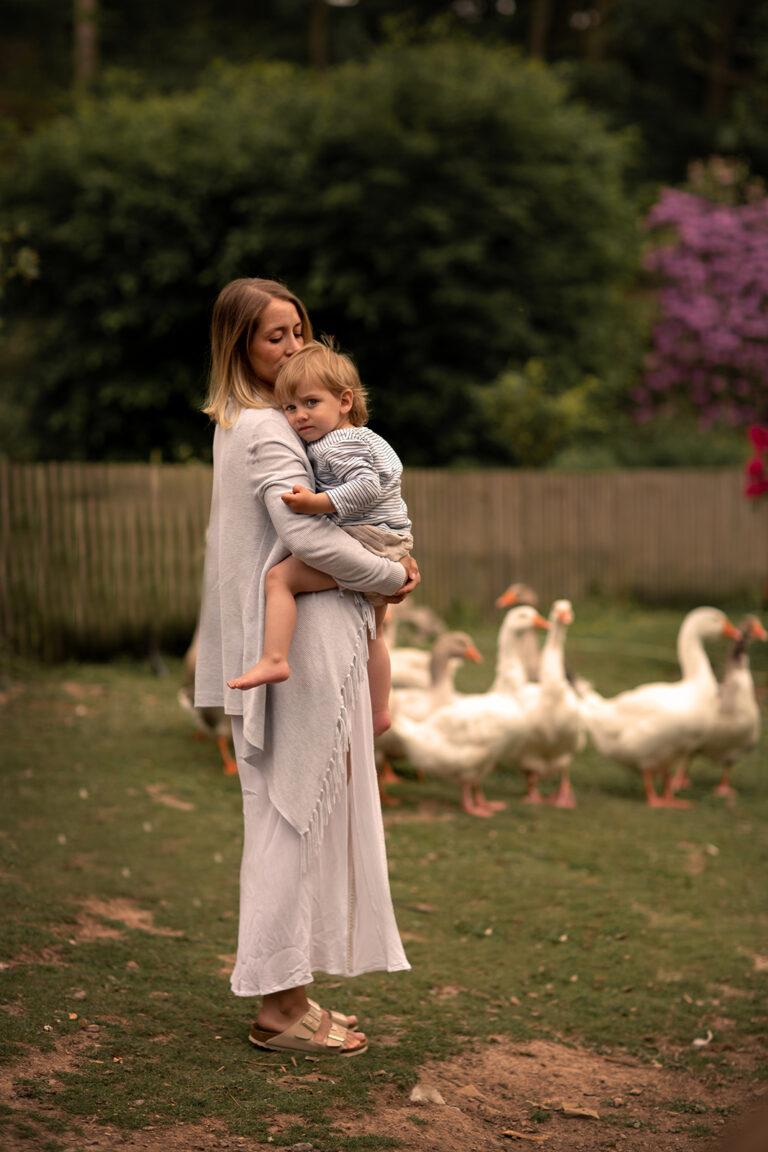 Bauernhof Familien Fotoshooting mutter mit Kind